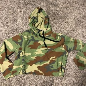 New no tags cropped hoodie
